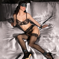 Kit Algemas Cama Under the Bed Binding Restraint Kit Ouch
